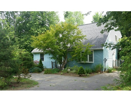 121  Sunset Ave,  South Hadley, MA
