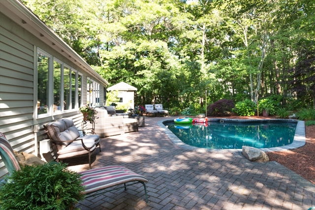 Photo #21 of Listing 98 Waterline Drive South