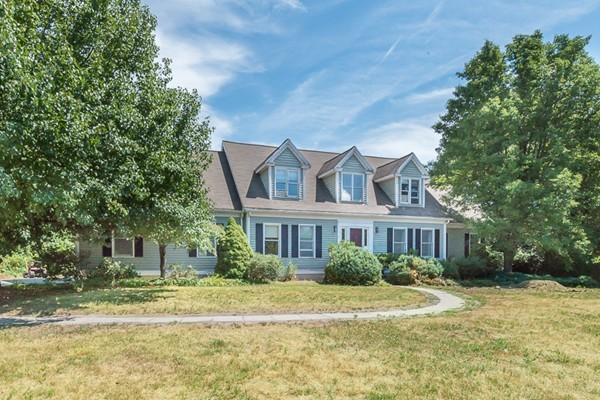Property for sale at 3 Meadowview Ln, Ipswich,  MA 01938