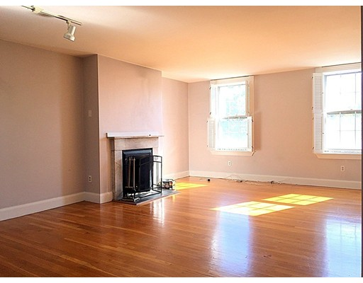 Townhome / Condominium for Rent at 2 Adams Street 2 Adams Street Boston, Massachusetts 02129 United States