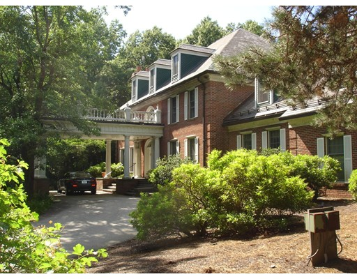 Single Family Home for Sale at 34 Bridle Path Way Tyngsborough, Massachusetts 01879 United States