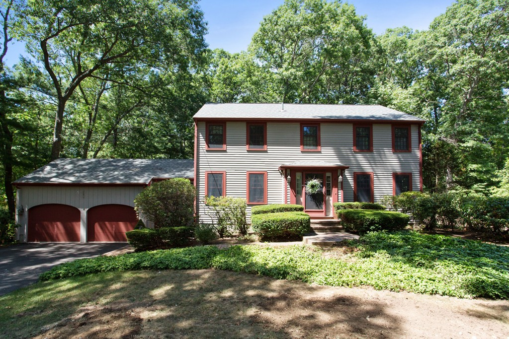 $809,000 - 4Br/3Ba -  for Sale in Liberty Pole, Hingham