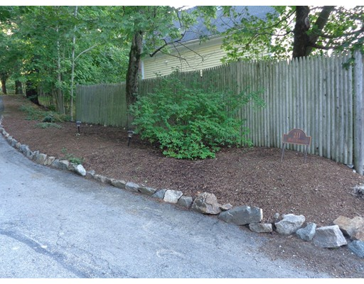 Additional photo for property listing at Hart St (211 Hart Street)  Beverly, Massachusetts 01915 Estados Unidos