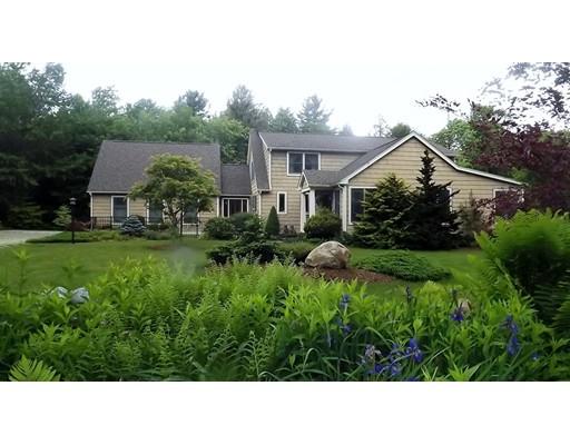 واحد منزل الأسرة للـ Sale في 101 Ingell Road Chester, Massachusetts 01011 United States