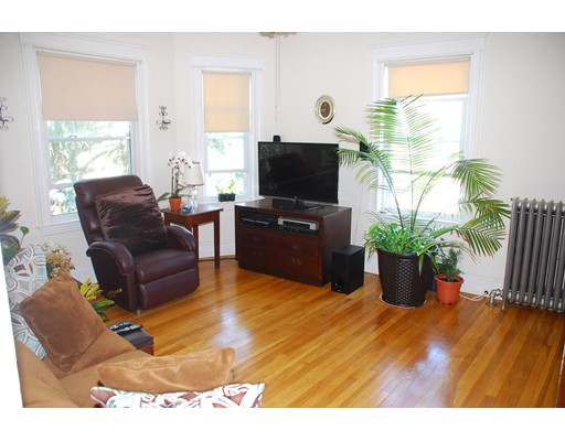 Apartman Dairesi için Kiralama at 28 Clifford Street Boston, Massachusetts 02136 Amerika Birleşik Devletleri
