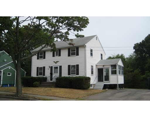 17 Bowes Ave, Quincy, MA 02169