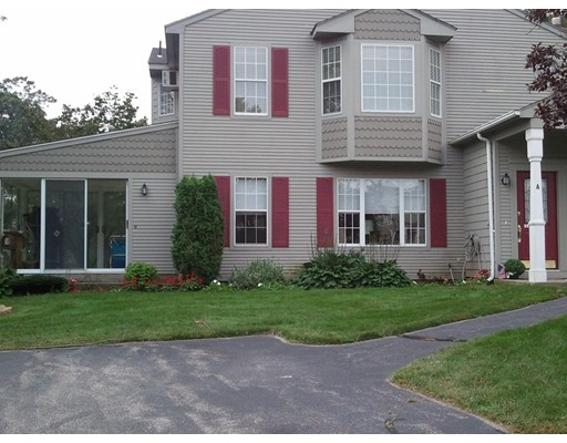 Additional photo for property listing at 18 Pond Court  North Providence, Rhode Island 02904 Estados Unidos