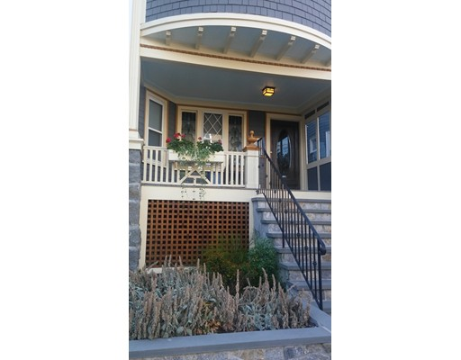 Additional photo for property listing at 68 Downer Avenue 68 Downer Avenue Boston, Massachusetts 02125 États-Unis