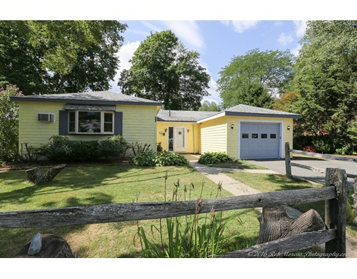 Additional photo for property listing at 30 Crescent Road  Hamilton, Massachusetts 01982 Estados Unidos