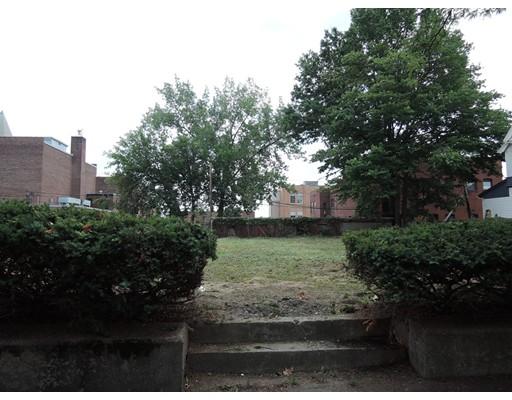 190 Chestnut Street, Holyoke, MA 01040