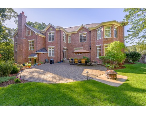 独户住宅 为 销售 在 47 WAINWRIGHT ROAD 温彻斯特, 马萨诸塞州 01890 美国