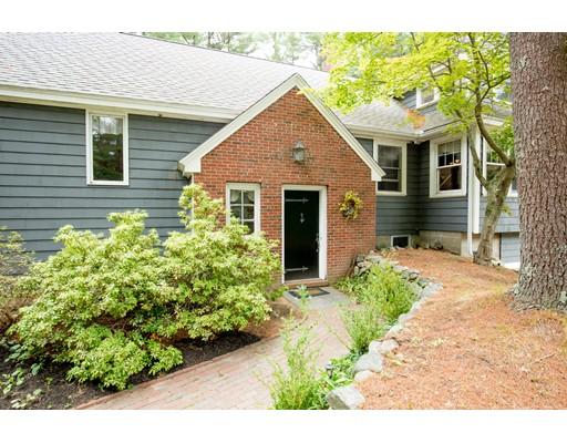 独户住宅 为 销售 在 127 Haverhill Road 斯菲尔德, 马萨诸塞州 01983 美国