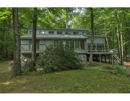 Casa Unifamiliar por un Venta en 830 Moberg Road Becket, Massachusetts 01223 Estados Unidos