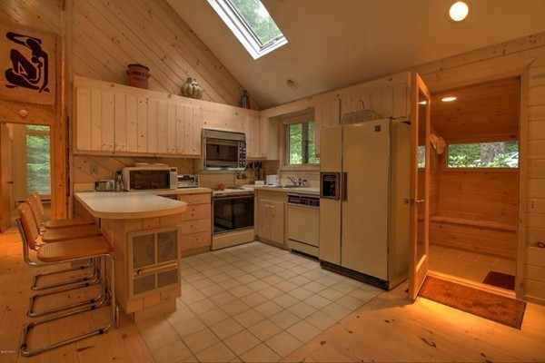 Photo #3 of Listing 830 Moberg Rd