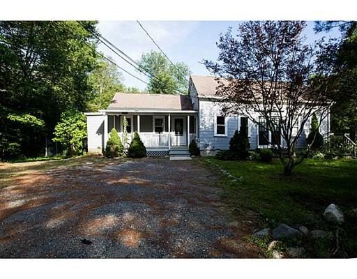 Casa Multifamiliar por un Venta en 21 Victory Hwy 21 Victory Hwy Glocester, Rhode Island 02814 Estados Unidos