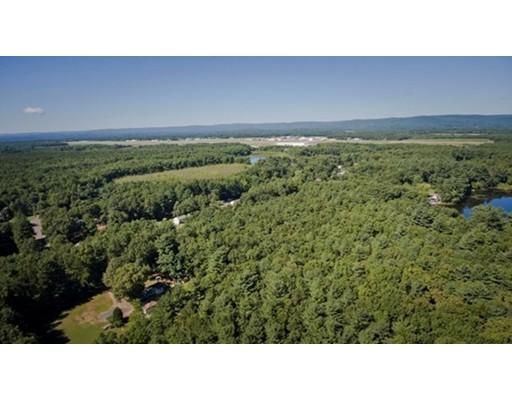 土地 为 销售 在 Dox Road Westfield, 马萨诸塞州 01085 美国