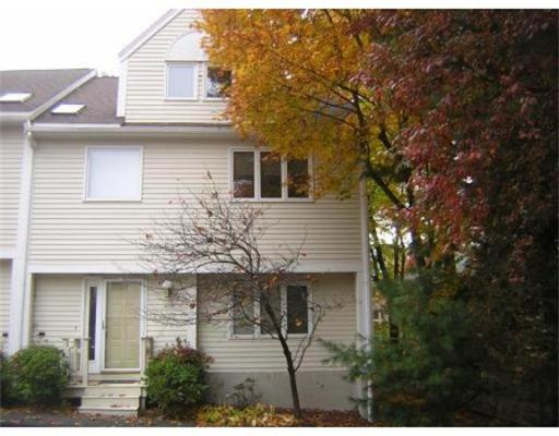 Townhome / Condominium for Rent at 412 Parker Street 412 Parker Street Newton, Massachusetts 02459 United States