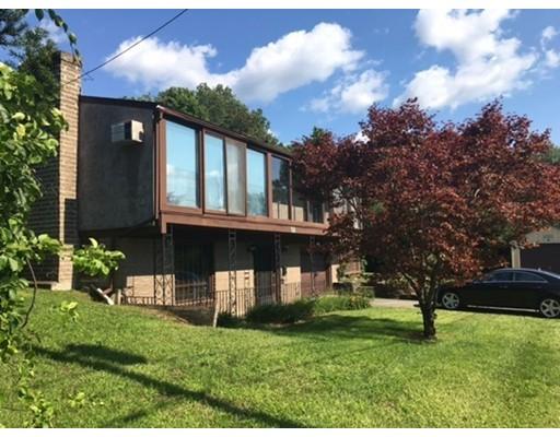 واحد منزل الأسرة للـ Sale في 3 Linda Lane 3 Linda Lane Montague, Massachusetts 01376 United States