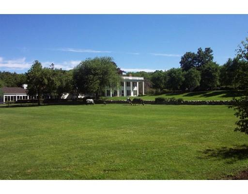 واحد منزل الأسرة للـ Sale في 107 Slades Corner Road Dartmouth, Massachusetts 02748 United States