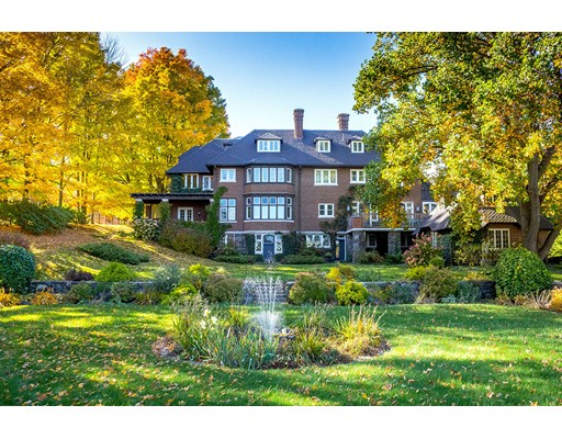 Single Family Home for Sale at 575 South Street Pittsfield, Massachusetts 01201 United States