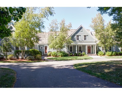 Single Family Home for Sale at 25 Orchard Street Medfield, Massachusetts 02052 United States