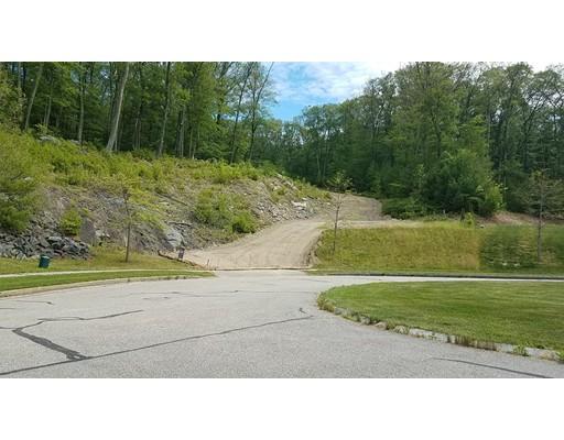 土地 为 销售 在 7 Brendan Drive 格拉夫顿, 马萨诸塞州 01519 美国