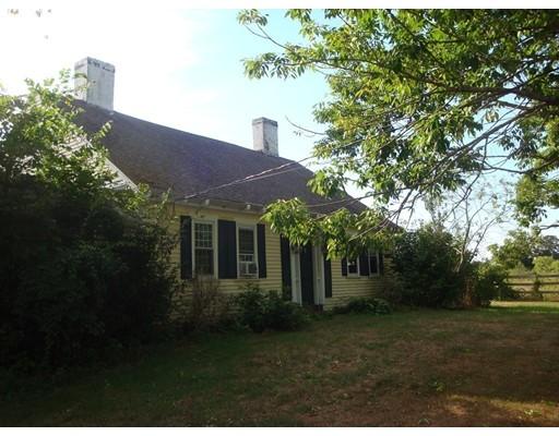 Maison unifamiliale pour l Vente à 139 Thompson Street Middleboro, Massachusetts 02346 États-Unis