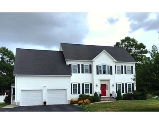 Maison unifamiliale pour l Vente à 35 Paddock Drive Plainville, Massachusetts 02762 États-Unis