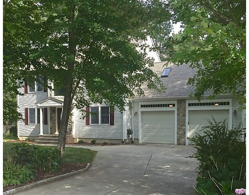 Additional photo for property listing at 10 Cross Road  Dartmouth, Massachusetts 02747 Estados Unidos