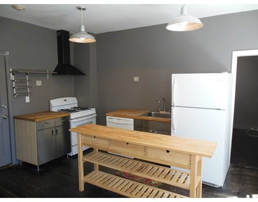 Квартира для того Аренда на 158 Salem Street 158 Salem Street Boston, Массачусетс 02113 Соединенные Штаты