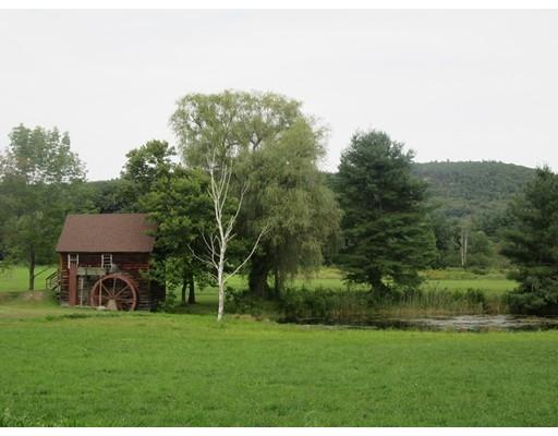 واحد منزل الأسرة للـ Sale في 22 Water Street Granville, Massachusetts 01034 United States