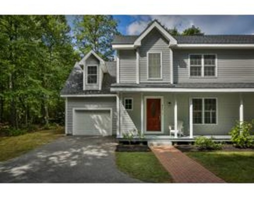 Maison unifamiliale pour l Vente à 86 Hunt Road Kingston, New Hampshire 03848 États-Unis