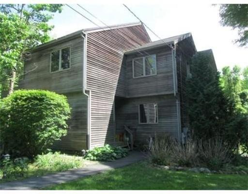 多户住宅 为 销售 在 87 Depot Road Leverett, 马萨诸塞州 01054 美国