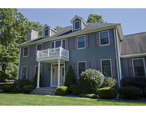 11  Valley View Dr,  South Hadley, MA