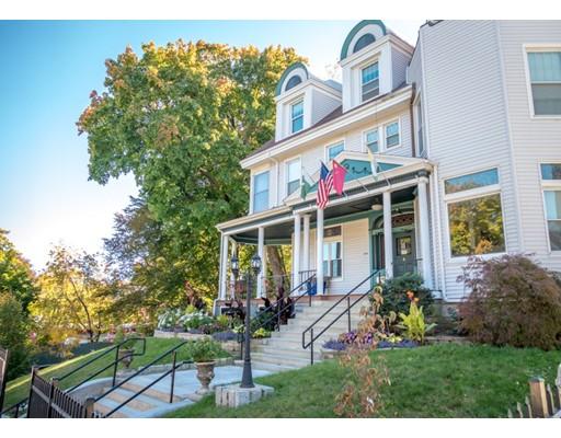 متعددة للعائلات الرئيسية للـ Sale في 5 Claremont Street Worcester, Massachusetts 01610 United States