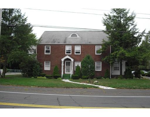 Многосемейный дом для того Продажа на 70 Lyman South Hadley, Массачусетс 01075 Соединенные Штаты