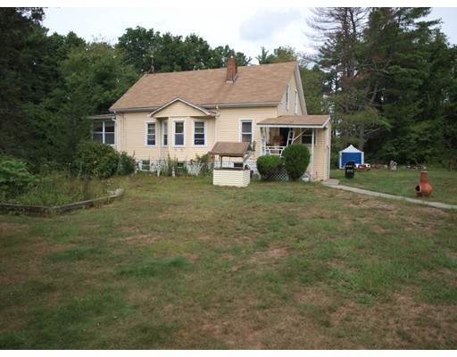 Single Family Home for Sale at 32 Middleboro Road Freetown, Massachusetts 02717 United States
