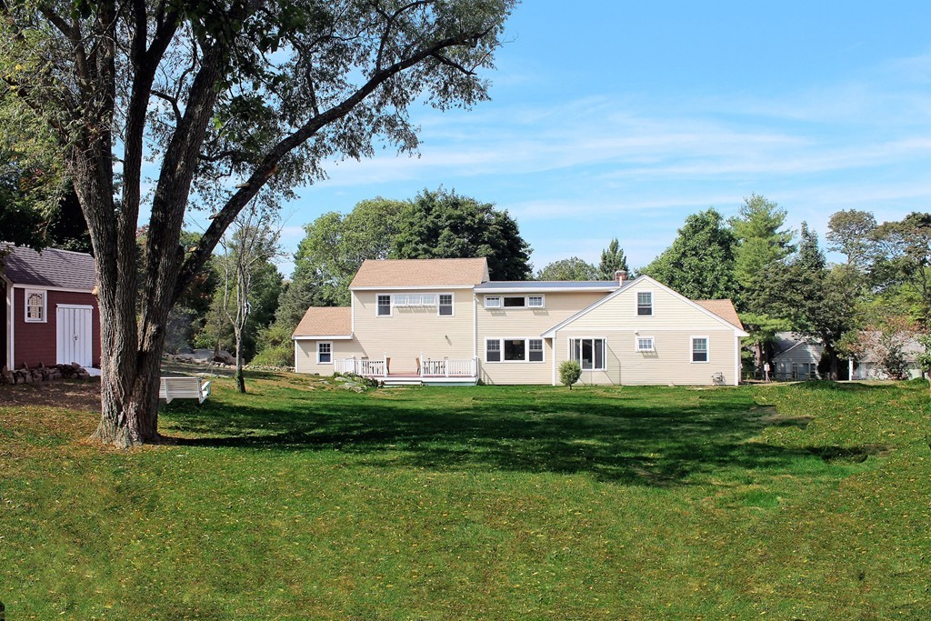 $799,900 - 4Br/3Ba -  for Sale in Hingham