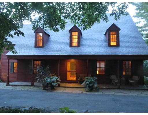 独户住宅 为 销售 在 27 George Street 27 George Street Greenfield, 马萨诸塞州 01301 美国