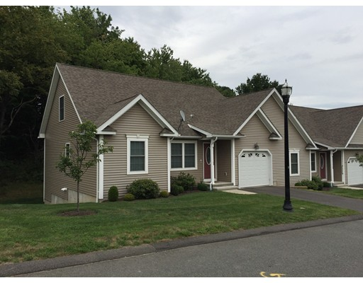 14 Elmcrest Dr 32, Chicopee, MA 01013