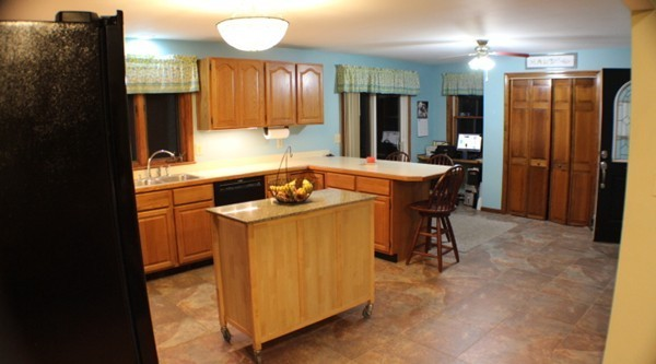 Photo #8 of Listing 281 W Townsend Rd