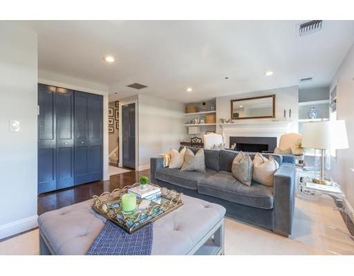 15 Henley St #F, Boston, MA Charlestown Boston, $989,000