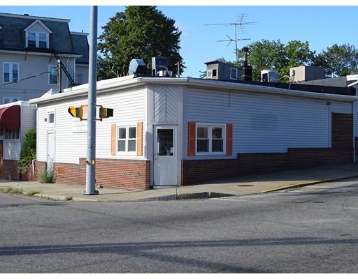 Comercial por un Venta en 622 N Main Street Woonsocket, Rhode Island 02895 Estados Unidos