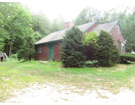 Single Family Home for Sale at 5 Dugway Road Newton, New Hampshire 03858 United States