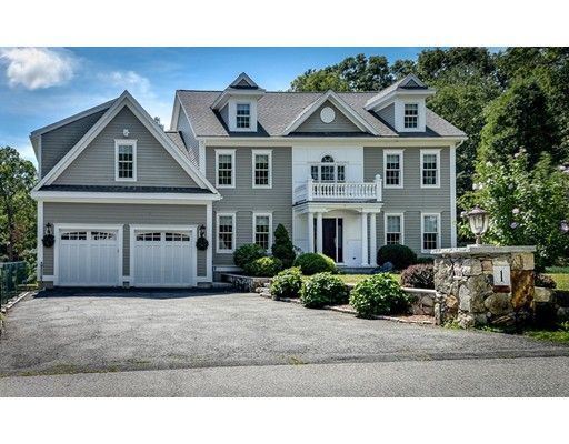Maison unifamiliale pour l Vente à 1 MacNeil Drive Southborough, Massachusetts 01772 États-Unis