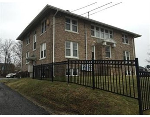 Condominio por un Venta en 783 Slade Street Fall River, Massachusetts 02724 Estados Unidos