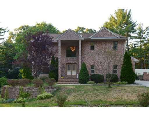 Single Family Home for Sale at 18 Francis Street North Reading, Massachusetts 01864 United States