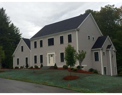 Maison unifamiliale pour l Vente à 4 Dutton Drive Mansfield, Massachusetts 02048 États-Unis