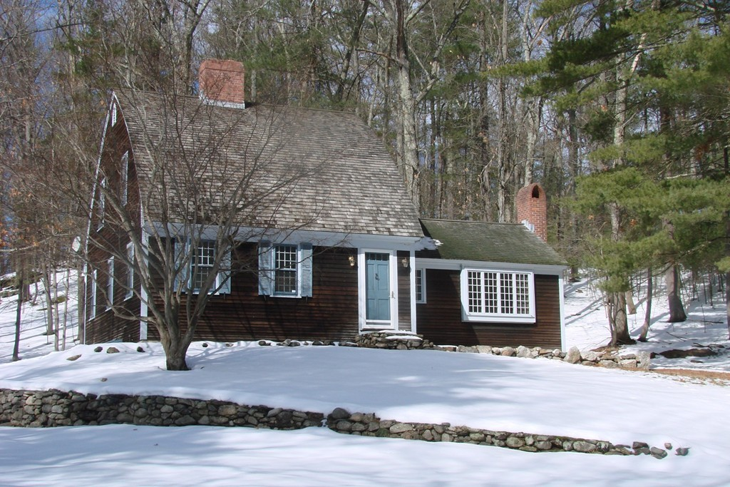 Residential homes and real estate for sale in bolton ma for Classic house of pizza bolton ma