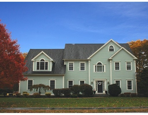 Single Family Home for Sale at 11 WILDEWOOD DRIVE Paxton, Massachusetts 01612 United States